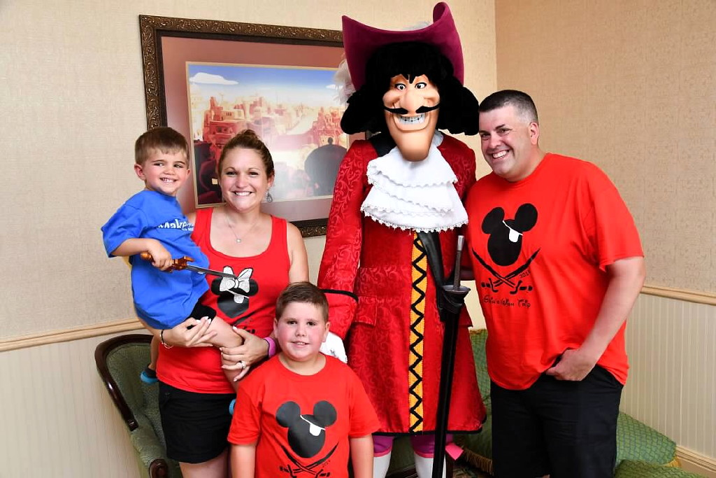 Young Swashbuckler Has Wish Fulfilled As He Meets Infamous Captain Hook Centraljersey Com