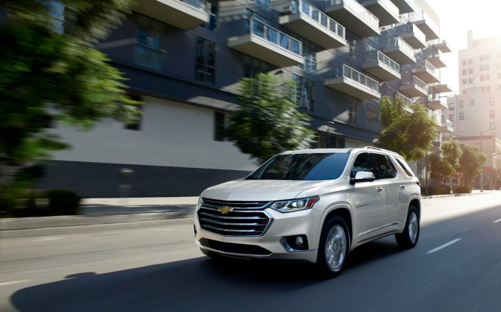 On The Road 11 8 Looking At The 2020 Chevrolet Traverse High