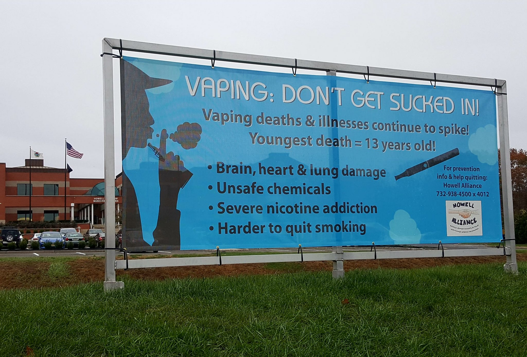 Vapers should be given help to quit, says expert